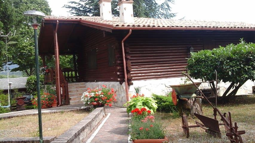 Villa in montagna vicino le piste da sci - Borgorose - Houten huisje