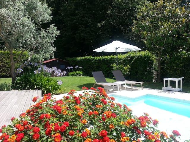 Villa calme et agréable - La Gaude - Casa