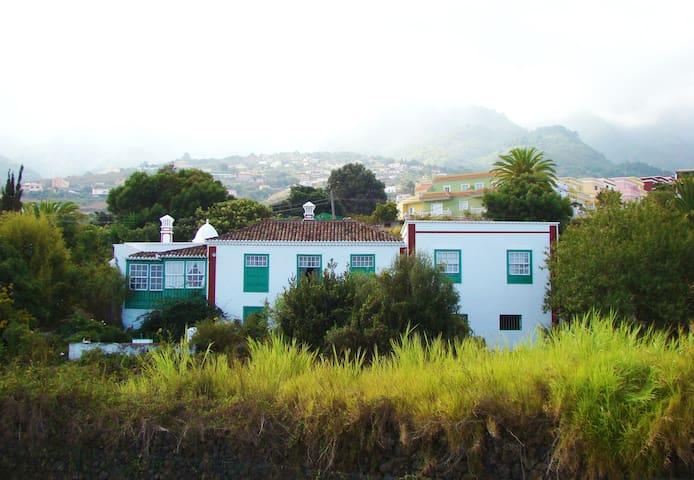 CASA VICENTE MIRANDO AL MAR. LA PALMA - Breña Alta