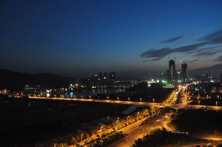 小周家.小居(能看到最美的夕阳、湖景) - Changsha - Wohnung