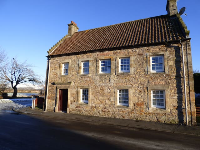 The Captain's House - Airth - Airth - Daire