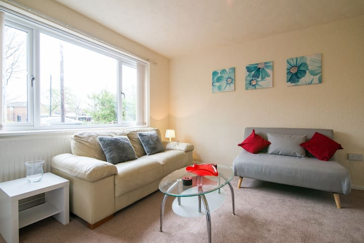 Manchester House, near golf courses, M60 and A580 - Worsley - Hus