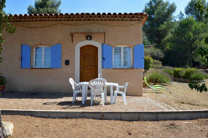T2, 4 personnes à proximité d'Aix et de Marseille - Mimet - Hus