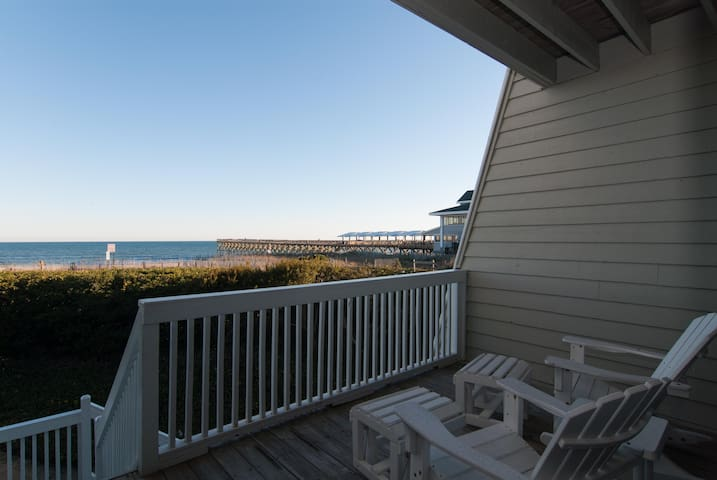 Oceanfront townhome with dock access! - Wrightsville Beach - Casa