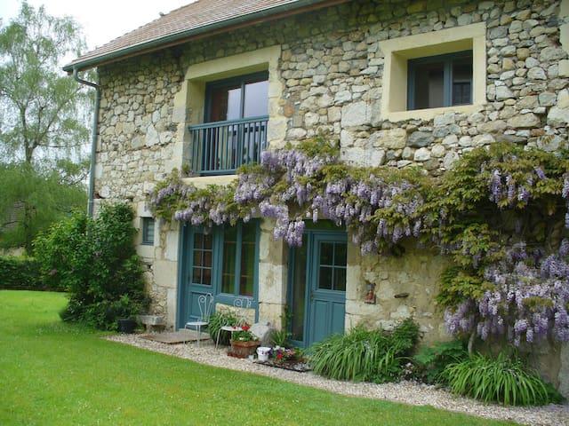 Belle  grange en pierre restaurée - Billième - Ev