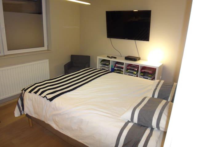 Bel appartement neuf - situation idéale - Huy - Leilighet