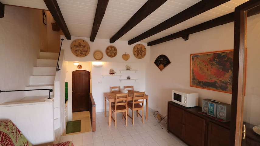Palau, apartment 20 metres away from the beach - Palau - Huoneisto