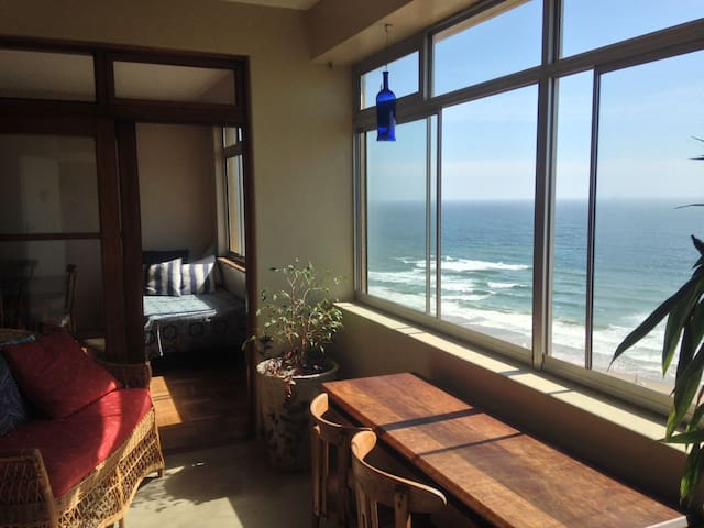 Room in Relaxed Beachfront Penthouse - Durban - Apartmen