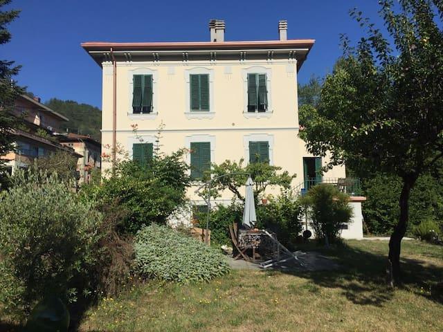 Liberty style Villa in Tuscany - Castelnuovo di Garfagnana - 別荘