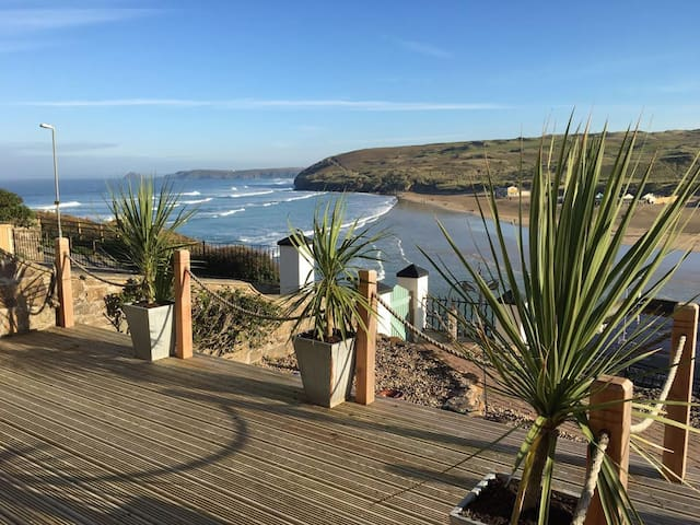 Stunning Sea Views from The Apartment by The Beach - Perranporth - Leilighet