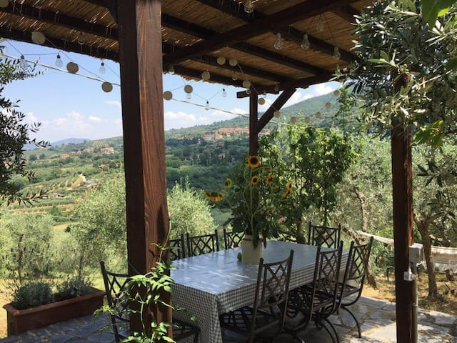 Umbrian Apartment With Panoramic Garden View - Paciano - Lejlighed