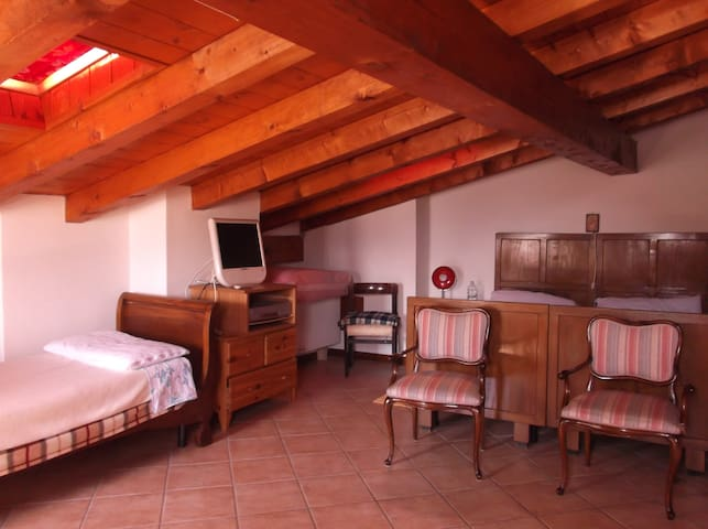 Appartamento per amanti relax vista montagne - Torchione-moia - Daire