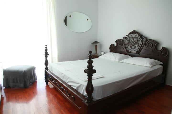 Spacious apartment near the sea - Kalamaria