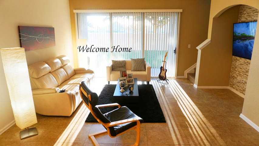 Your Home in Orlando, 10 Minutes From Disney! - Kissimmee - Casa a schiera