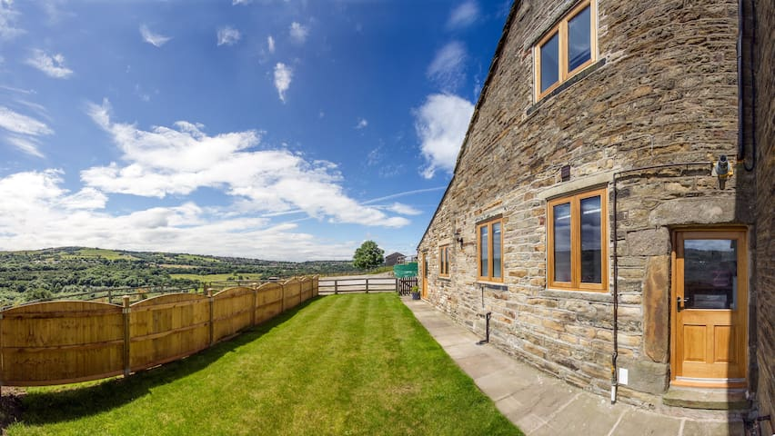 Lovely converted barn New Mills Peak District - Derbyshire - Ev