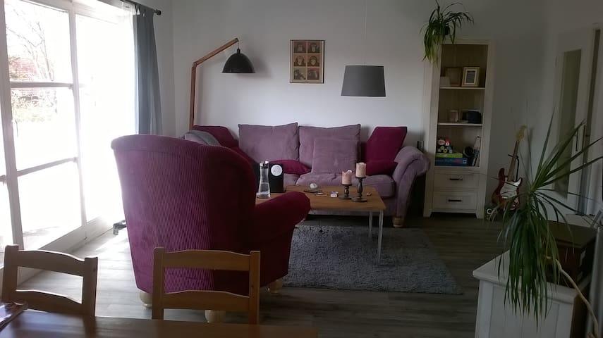 Schönes Zimmer in ruhiger Lage - Delbrück - Apartemen