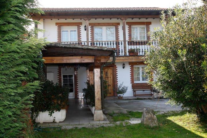 """Casa """"Carro"""" - Cantabria - Huis"""