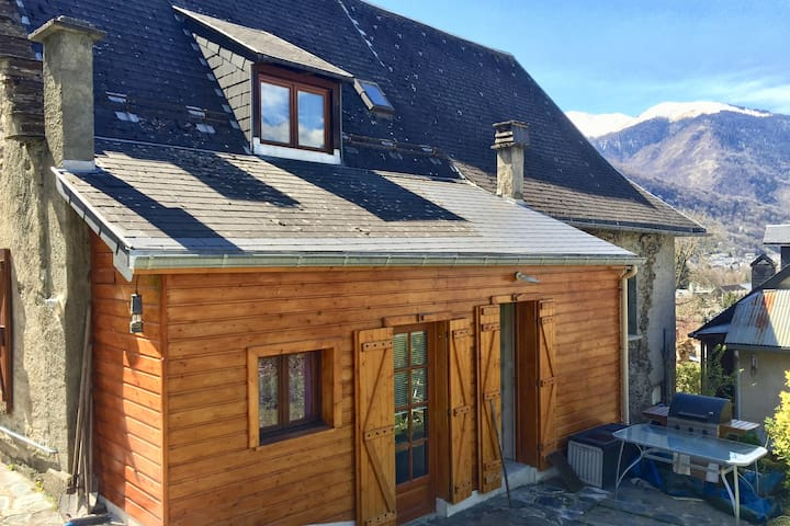 Jolie maison de montagne rénovée - 2 min. Luchon - Montauban-de-Luchon - Casa
