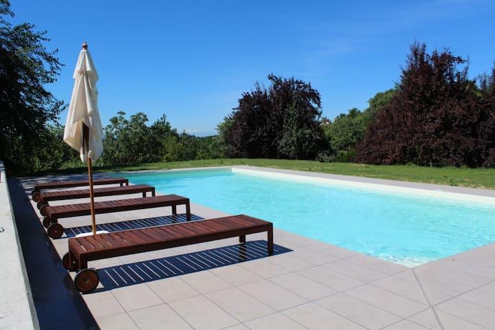 Piedmontese country home with pool - Portacomaro - Casa