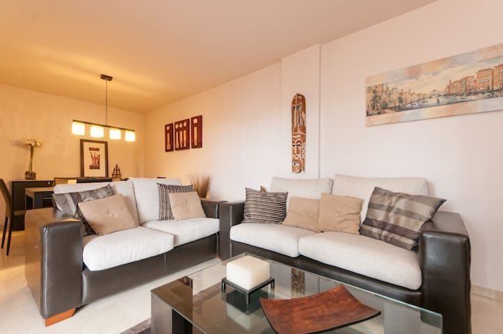 Family apartment with Terrace - Cornellà de Llobregat