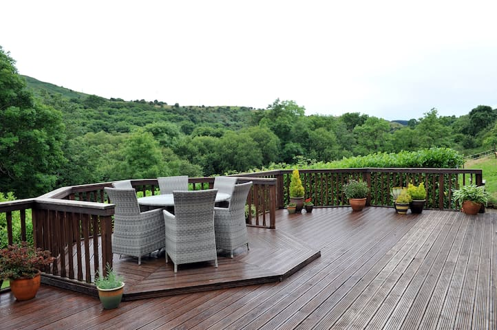 Rooms with views. - Wrexham - Bed & Breakfast