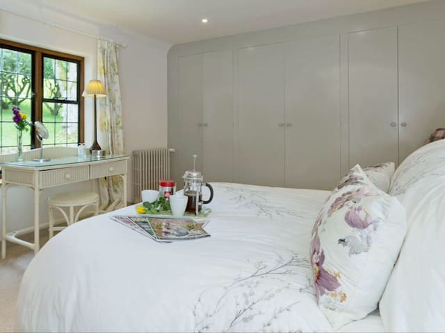 Deer Lodge, an idyllic hideaway - North Cerney, Cirencester - Ev