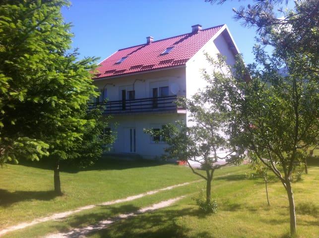 HOUSE SMILJANIC - ROOMS - Korenica - Talo