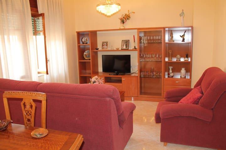 ALQUILO CASA PLANTA BAJA EN CAMPELLO CENTRO - El Campello - Huis