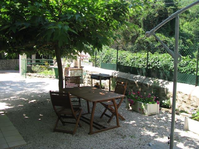 T2 Rdc /Jardin dans Chalet Calme - Vernet-les-Bains - Leilighet
