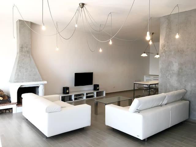 Luxury apartment in Caserta Vecchia ( near Naples) - Casola - Casa