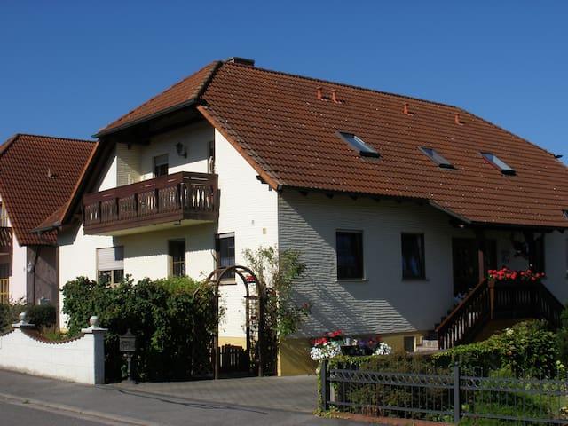 Neu! Ferienwohnung Ernst - Pettstadt