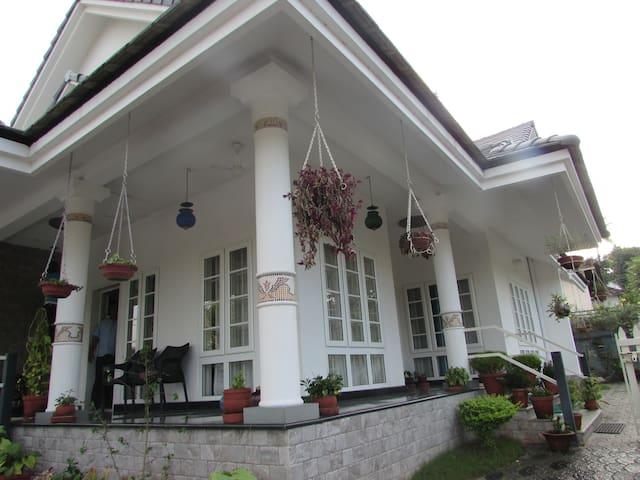 Friendly, Peaceful & Clean Home - Kottayam