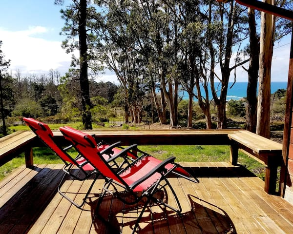 HIGH TOR Cottage with Ocean Views on one acre land - Gualala - Casa