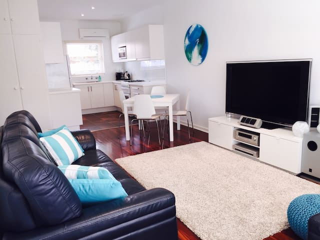 Beachside unit - Glenelg East - 公寓