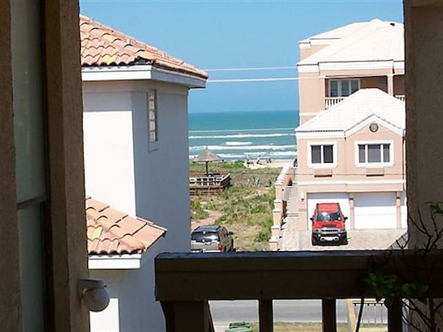 Beachview, Tropical Breezes, 1 Minute To The Beach - South Padre Island - Osakehuoneisto