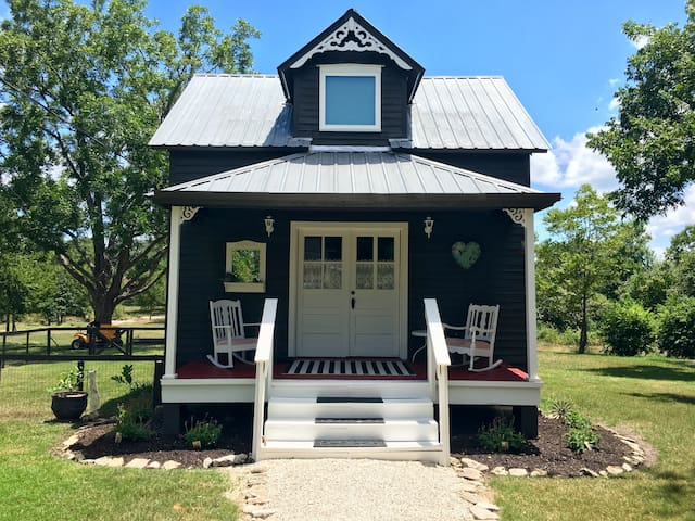 The Cardinal House-Guest Cottage - Round Top - Casa