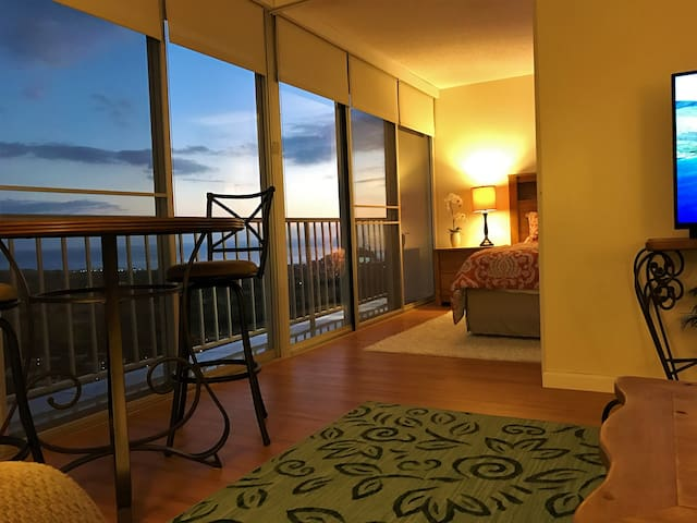 PARADISE FOUND! SPECTACULAR OCEAN VIEWS *PENTHOUSE - Waianae