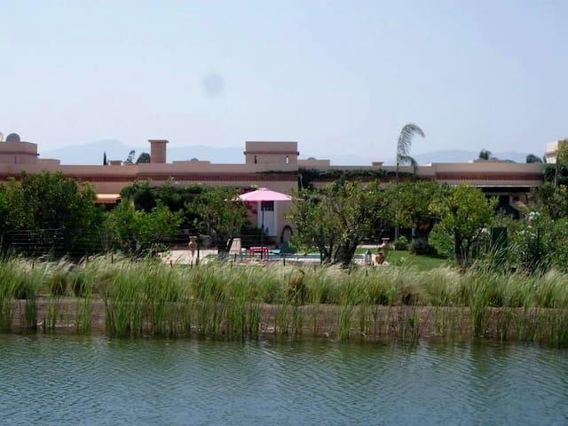 (133) LA DETENTE TOTALE FACE AU LAC - Agadir - Casa