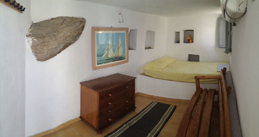 Small Independent Guest House in Apollonia, Sifnos - Apollonia - Kulübe