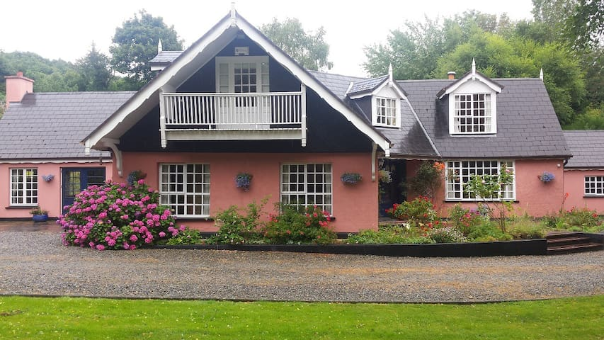 Glendalough Co Wicklow Ireland - Annamoe - Bed & Breakfast