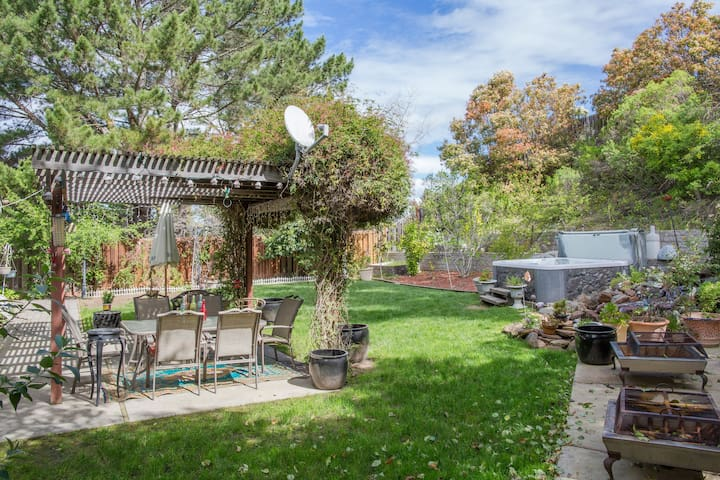 Lovely home with peaceful back yard. - San Ramon - Hus