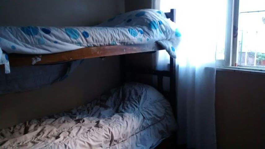habitación privada en San justo, BA - San Justo - Rumah