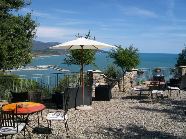 Romantik House Belvedere - Marina di Casal Velino - 小木屋