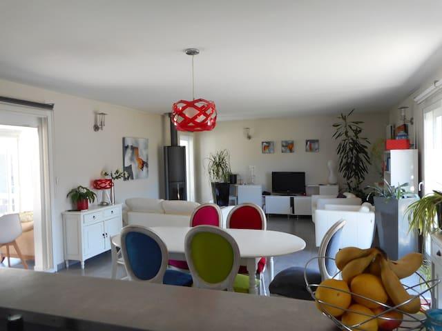 Chez vous pour vos vacances - Vayres - Haus