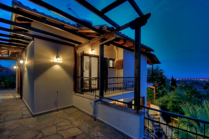 Villa Doris on Mount Olympus with sea view - Skotina