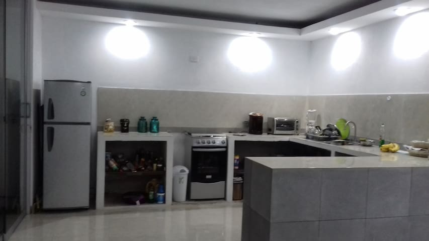Habitación privada en casa minimalist llena de luz - Coatepec - Maison