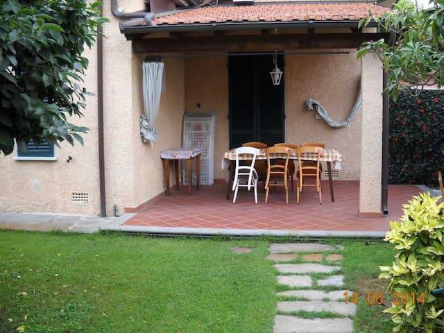 Villa Giada - 3 bedrooms - Forte dei Marmi - Huis