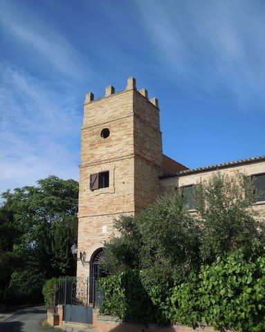 """IRONMEN"" 2017 e Torre Martinetti Bianchi - Silvi - Dům"