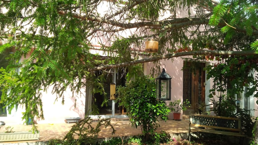 Rooms available in large detached house with pool - La Digne-d'Aval - Huis