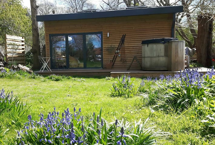 Boutique style Cabin with Hottub - Maidstone, Kent - Hus